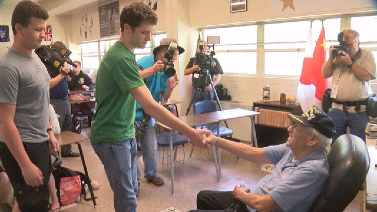 Survivor of USS Indianapolis talks to students