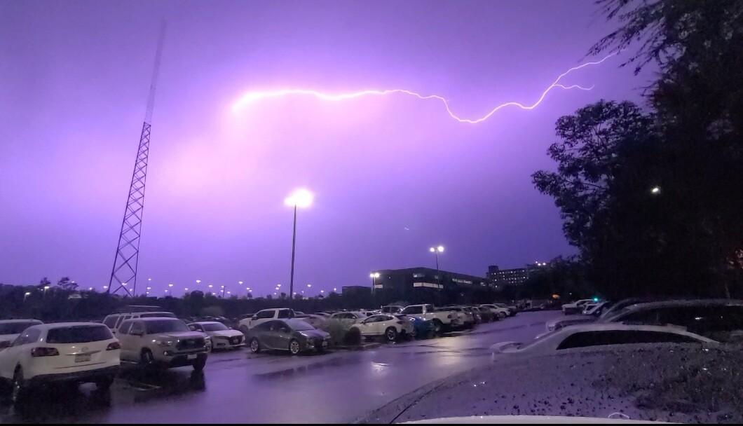 lightning_escondido_1.jpg