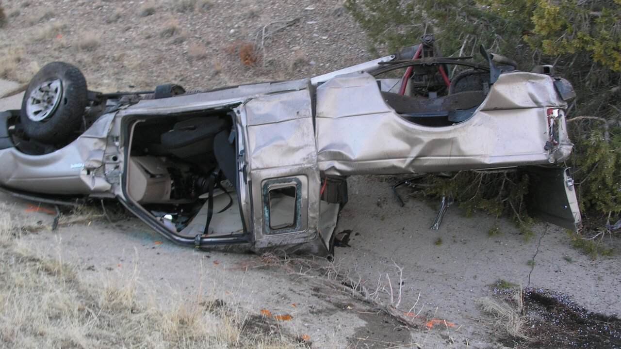 Three dead after rollover crash on I-15 in Millard Co.