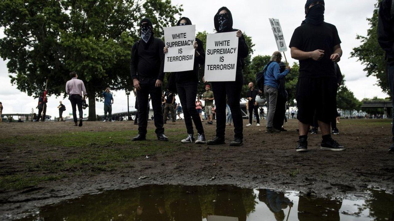 portlandprotest-ap3.jpeg