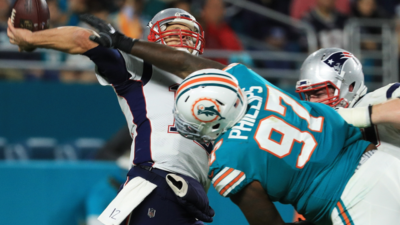 Miami Dolphins' Jordan Phillips calls New England Patriots' David Andrews 'dirty player'