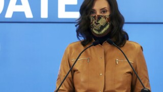 whitmer wearing mask