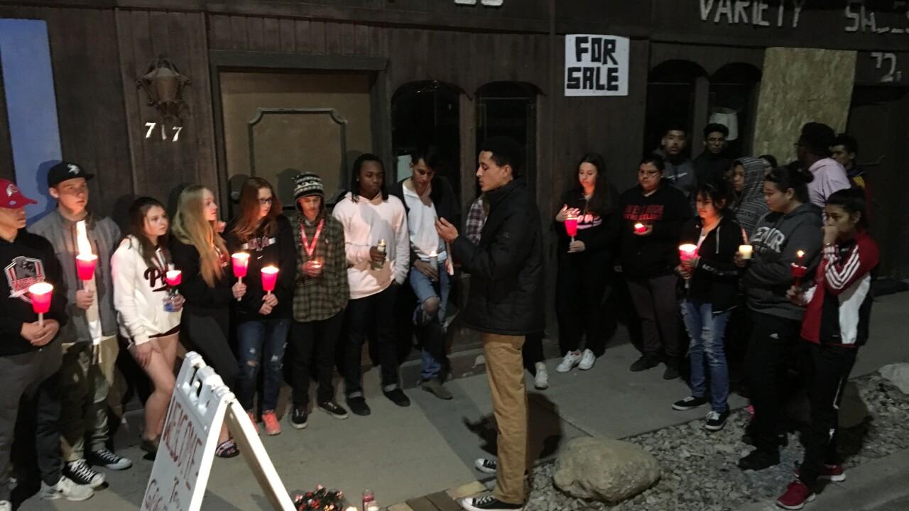Students at West High hold vigil for classmates killed in high-speedcrash