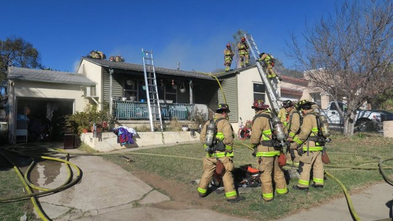 Three injured, including child, in Oak Park fire