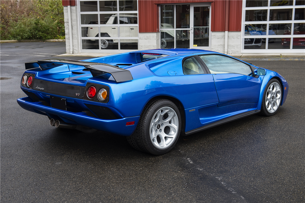2001 Lamborghini Diablo VT 2.jpg