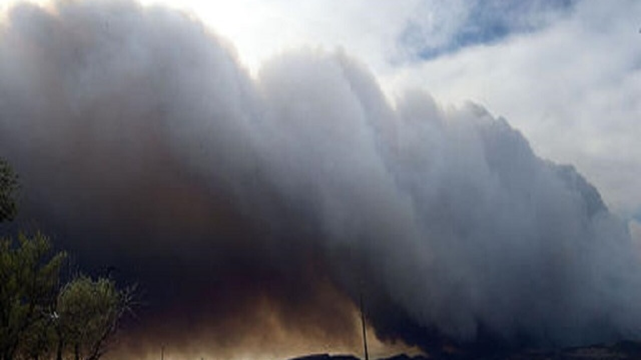 Colorado fire burns 5 homes; hundreds of others threatened