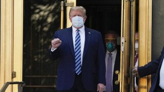 White House chief of staff says Trump wants to work from the Oval Office despite COVID-19 infection