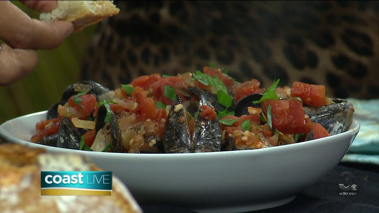 Chef Jacqui teaches us how to make mussels and dutch oven bread on Coast Live