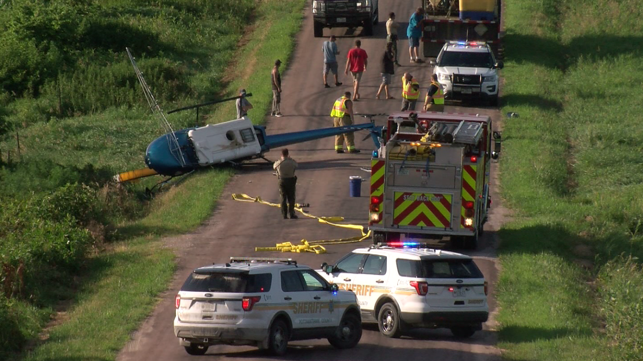 Crop-dusting helicopter crashes east of Council Bluffs