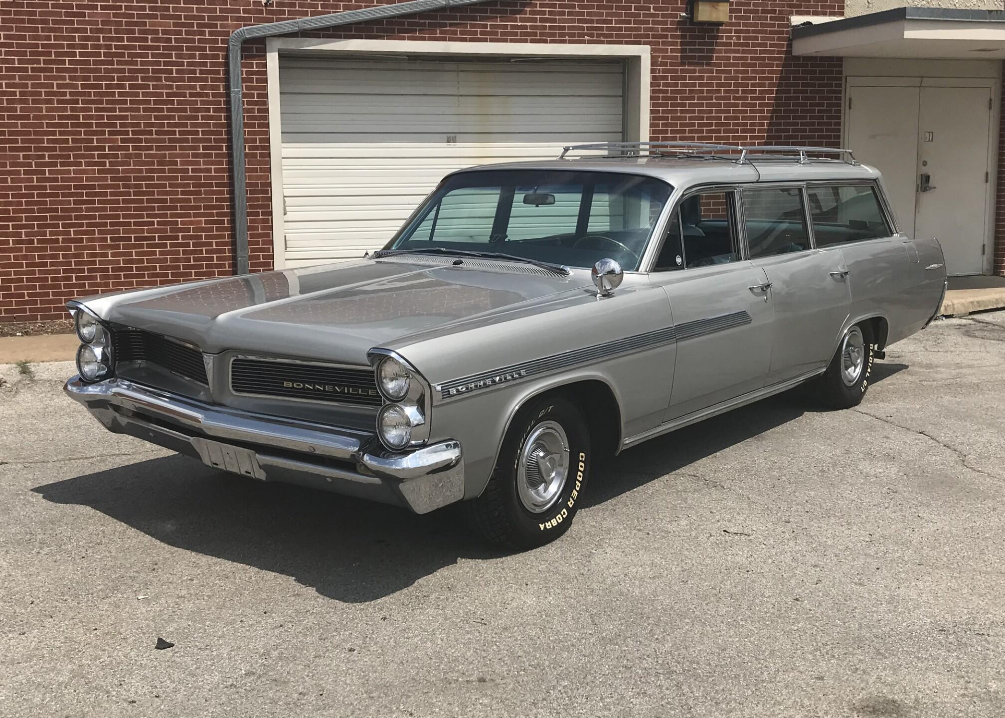 1963 Pontiac Bonneville.jpg