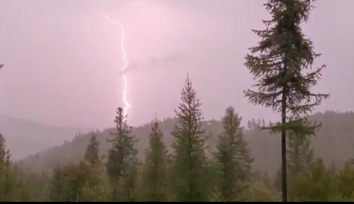 Lakeside Lightning.jpg