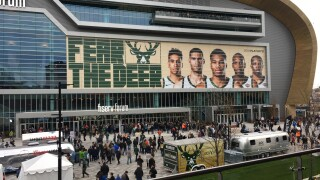 Bucks Fever intensifies ahead of Game 5