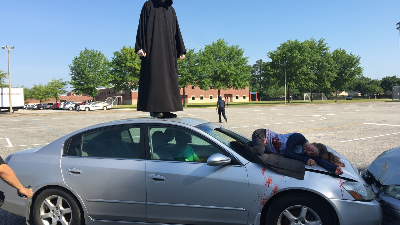 Virginia Beach students get first-hand look at impacts of drunkdriving