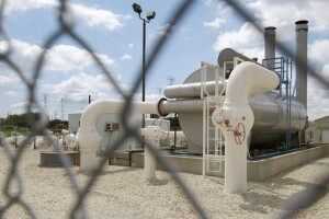 Lafayette to stay new oil and gas development until May
