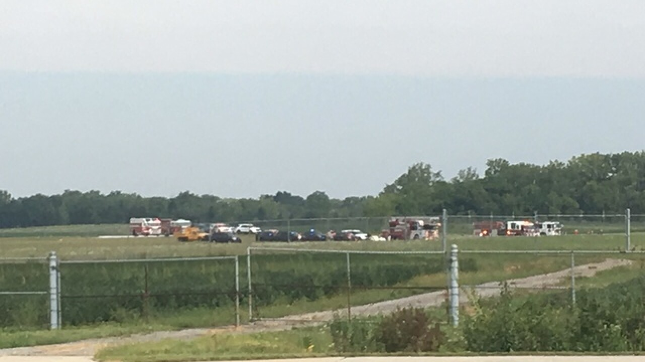 Plane crashes in Fishers near 96th Street