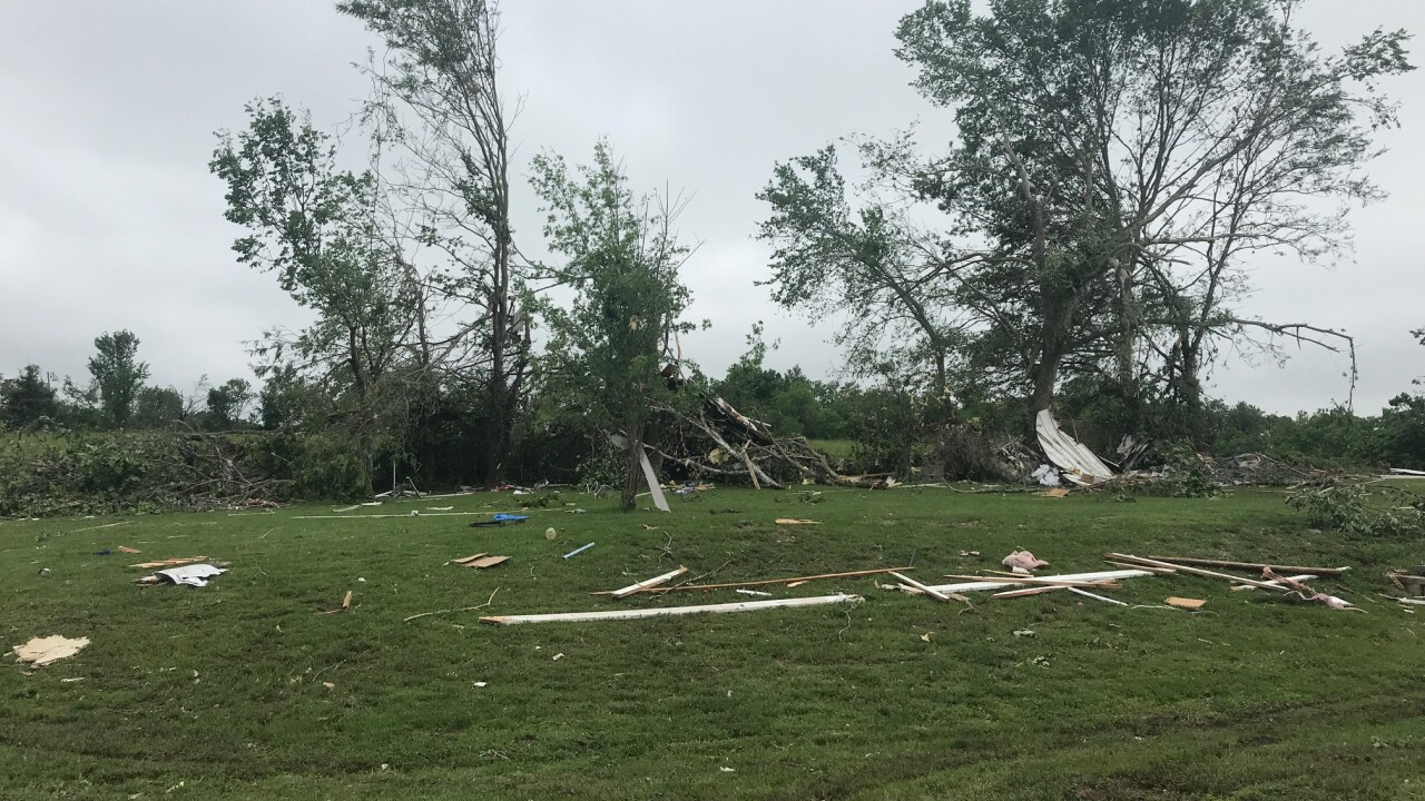 Clay county tornado 4.jpg