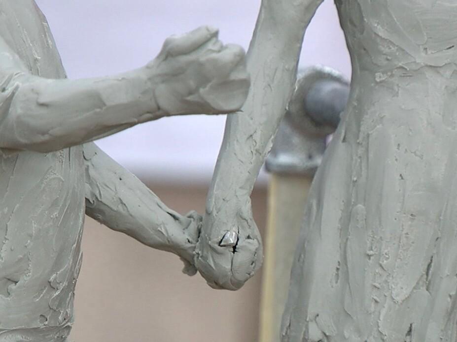 Detail_of_Spencer_statue.jpg