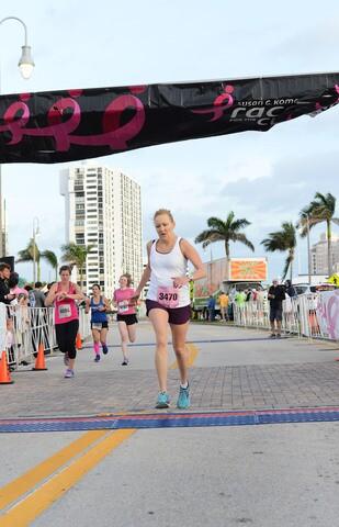 Crowd Pics: Susan G. Komen South Florida Race For The Cure
