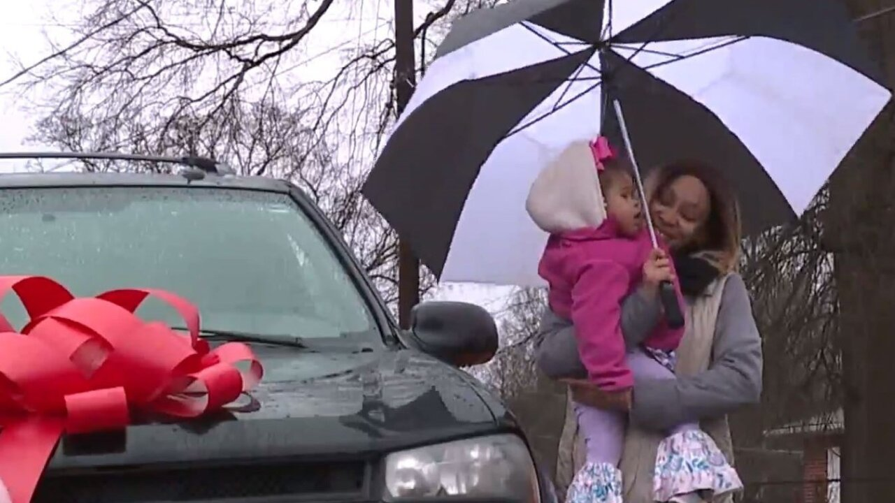 Police surprise single mom with an SUV for Christmas