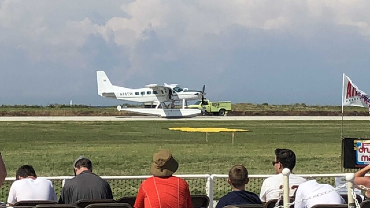 Seaplane with gear issues lands at air show