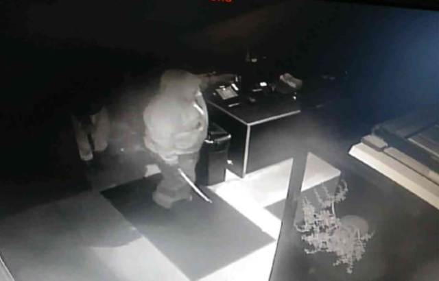 Thieves steal safe from Selden Standard
