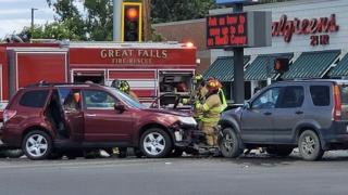 Crash impacting traffic on 10th Avenue South