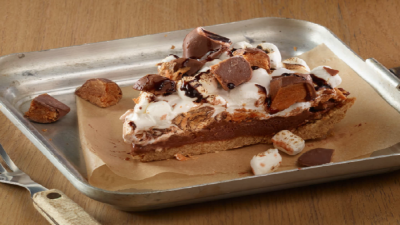 Butterfinger S'mores Pie Combines All Our Favorite Treats