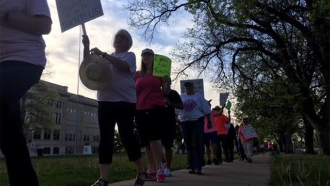 Teachers in Colorado city of Pueblo go on strike over pay