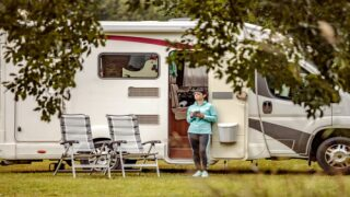 Facebook Group Is Pairing Up Healthcare Workers With RVs So They Can Self-isolate Near Home