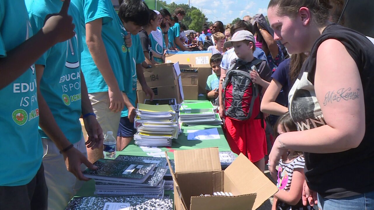 Students, families pick up free school supplies inChesterfield
