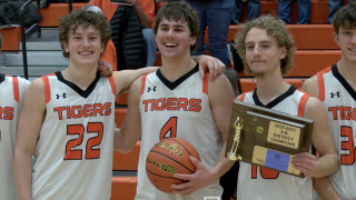 Manhattan Tigers celebrate District 5B Championship