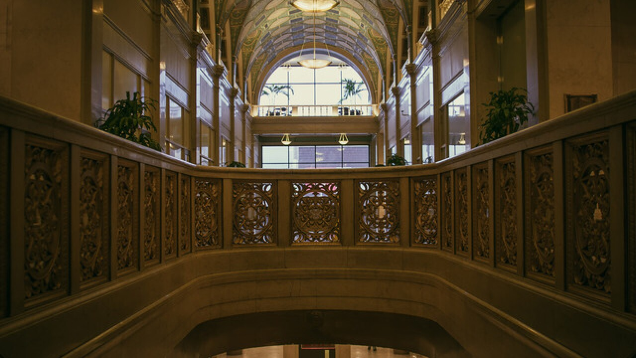 Cincygram takes a look at the art deco designs in the Dixie Terminal