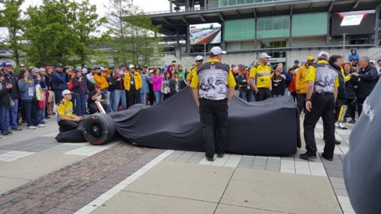 PHOTOS: Drivers & cars ready for the Grand Prix