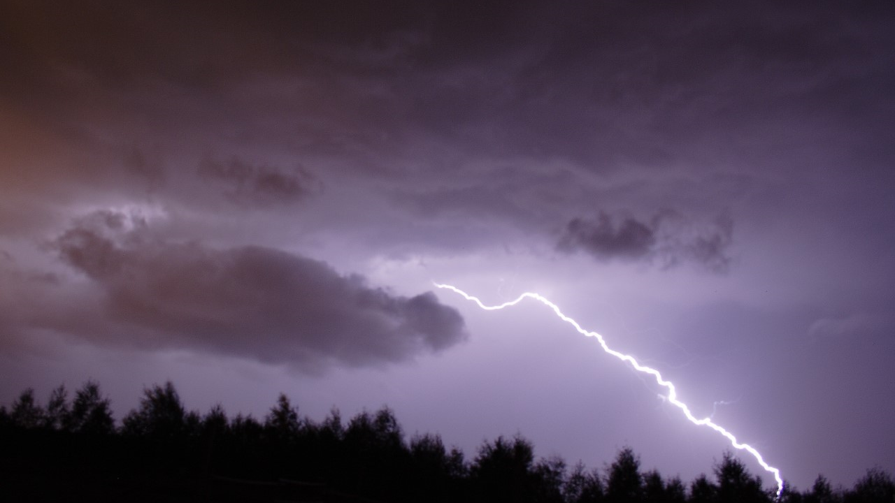 lightning 2.png