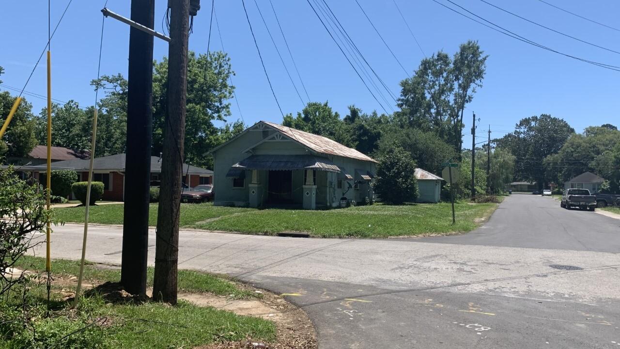 Elderly woman dies in Lafayette house fire