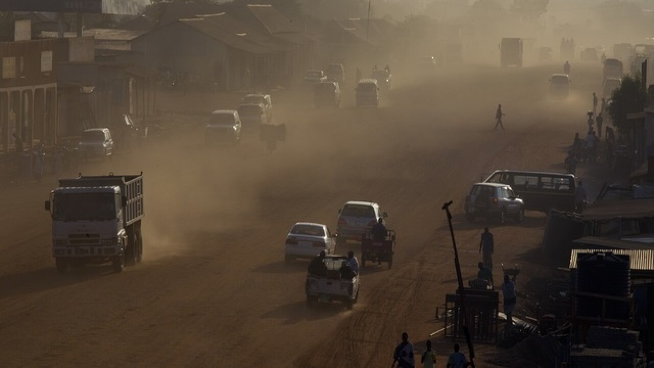 Heavy arms fire rocks South Sudan capital, many casualties