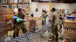National Guard helps stock grocery stores in Arizona