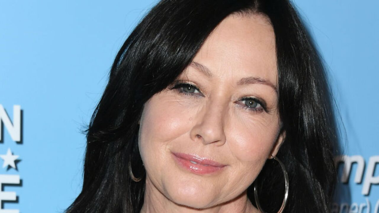 Shannen Doherty: 90210 actress reveals she's been battling stage 4 cancer for a year