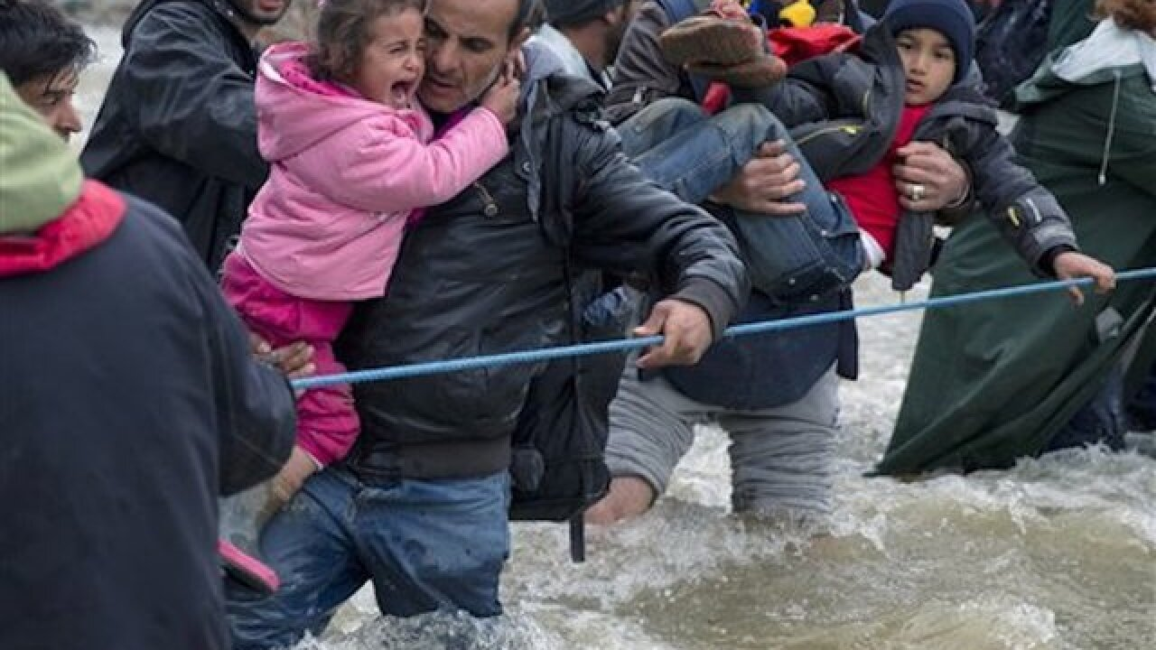 Macedonia detains migrants crossing illegally
