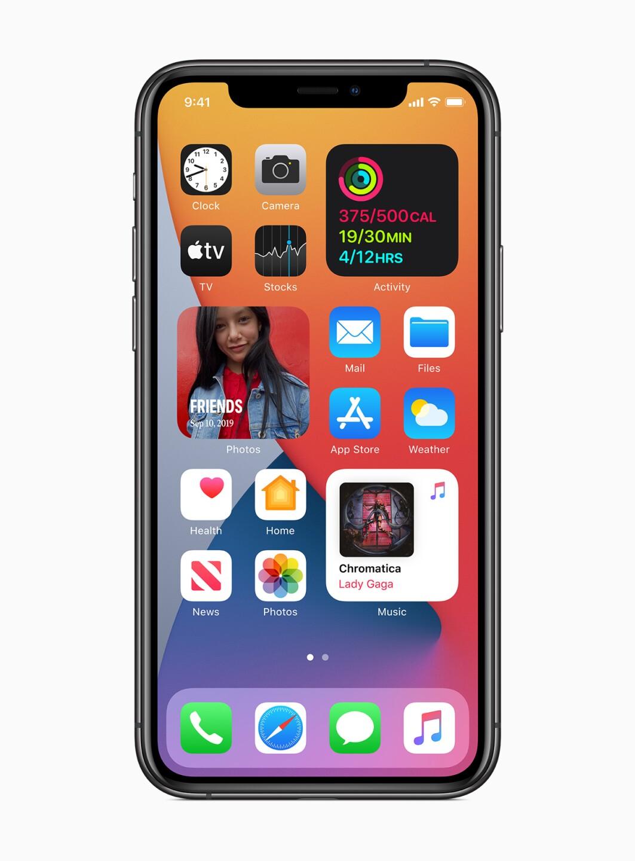 Apple_ios14-widgets-redesigned_06222020.jpg