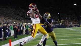 USC Trojans wide receiver Tyler Vaughns catches TD vs. Notre Dame Fighting Irish in 2019