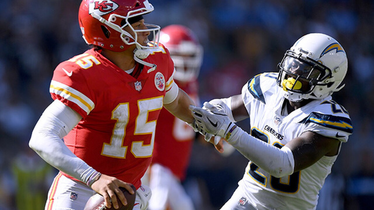 Chiefs' Mahomes takes confidence from award-winning performance
