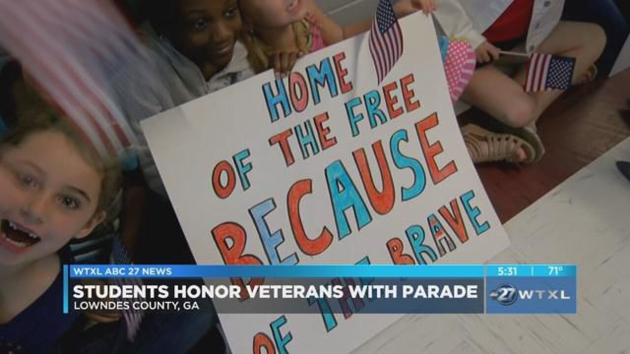 Lowndes County students participate in Veteran's Day parade.jpg