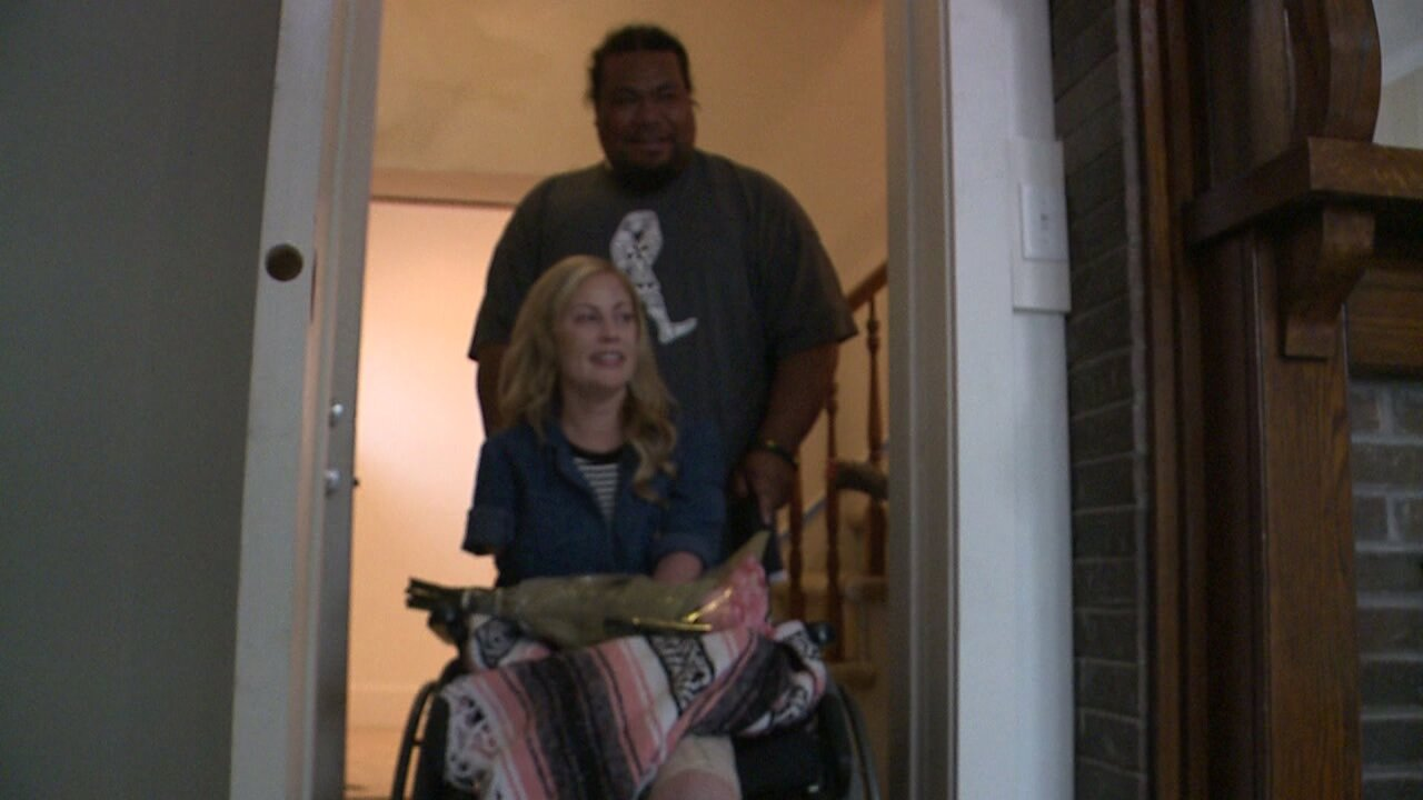 Utah mom who lost all her limbs returns to home remodeled bycommunity