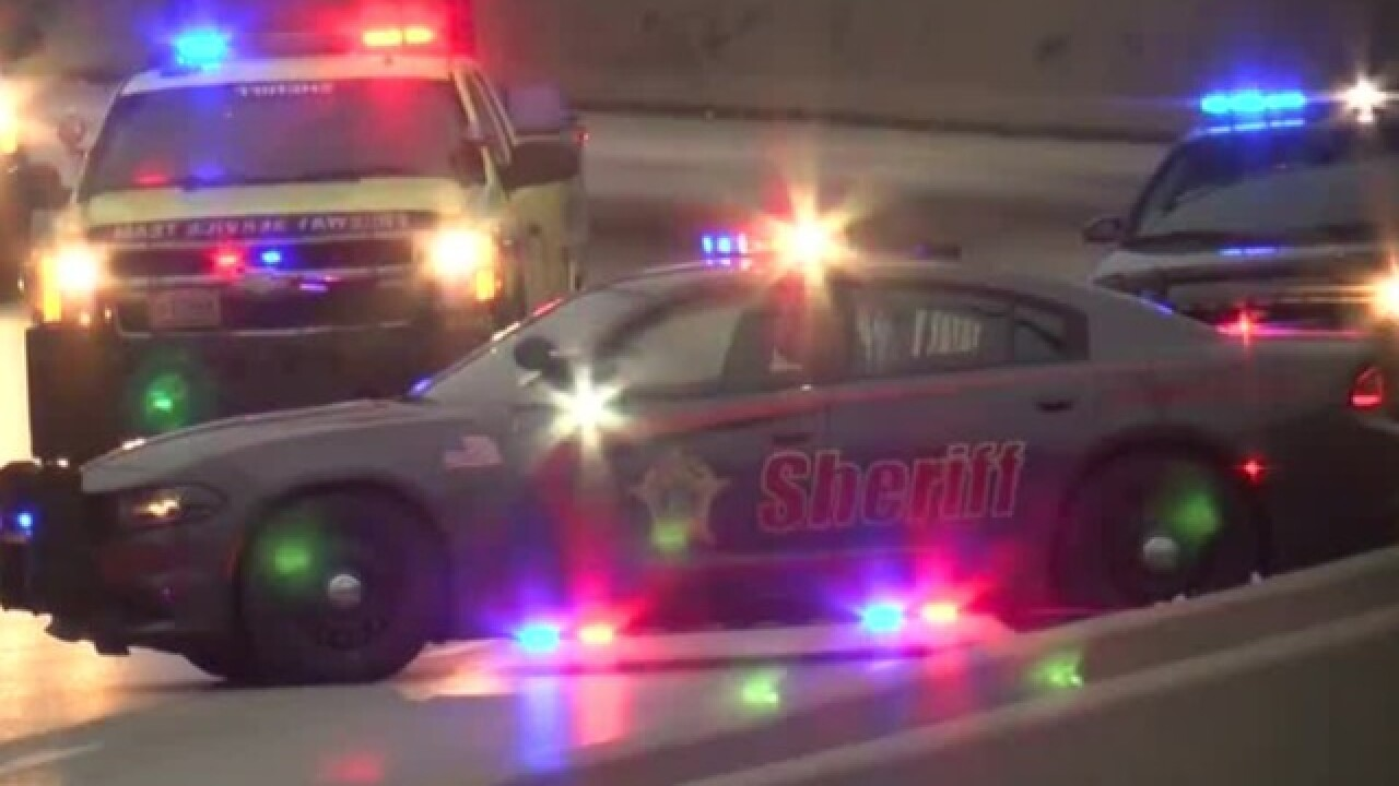Suspects in I-43 road rage shooting on the loose