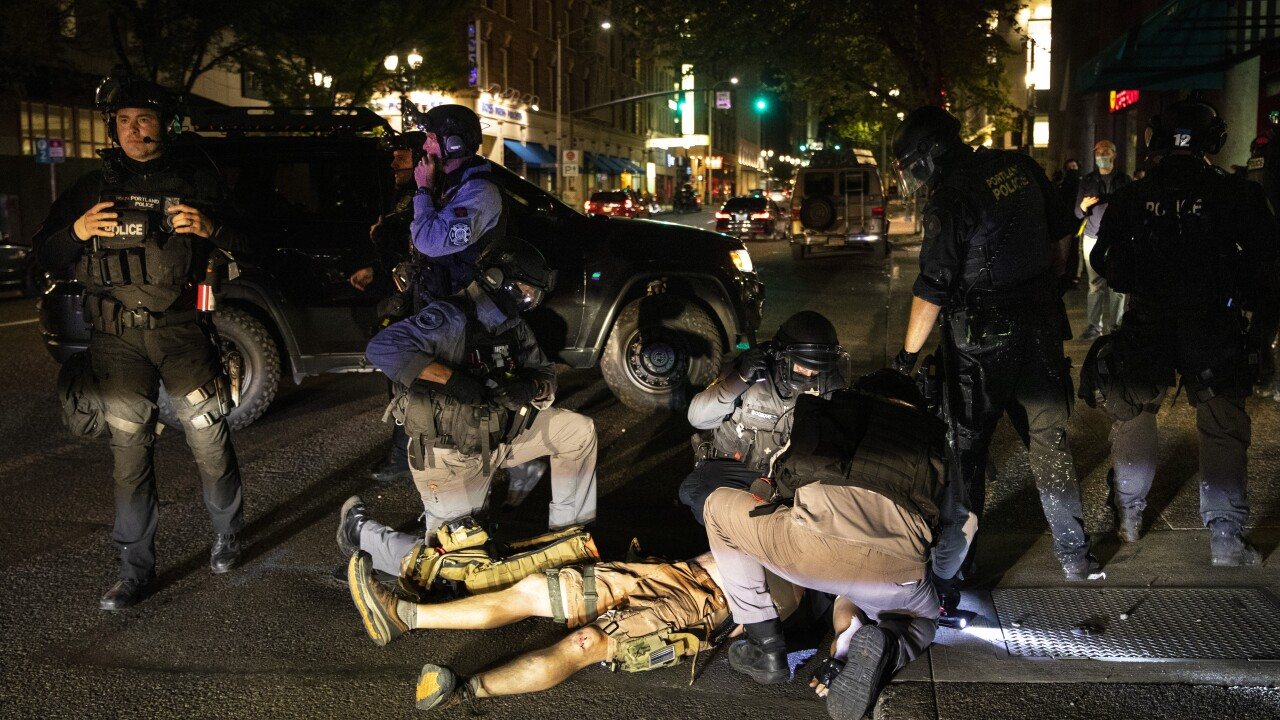 1 dead in Portland after Trump supporters, protesters clash