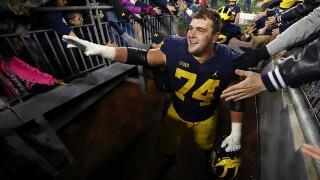 Michigan OL Ben Bredeson plans to return for senior season
