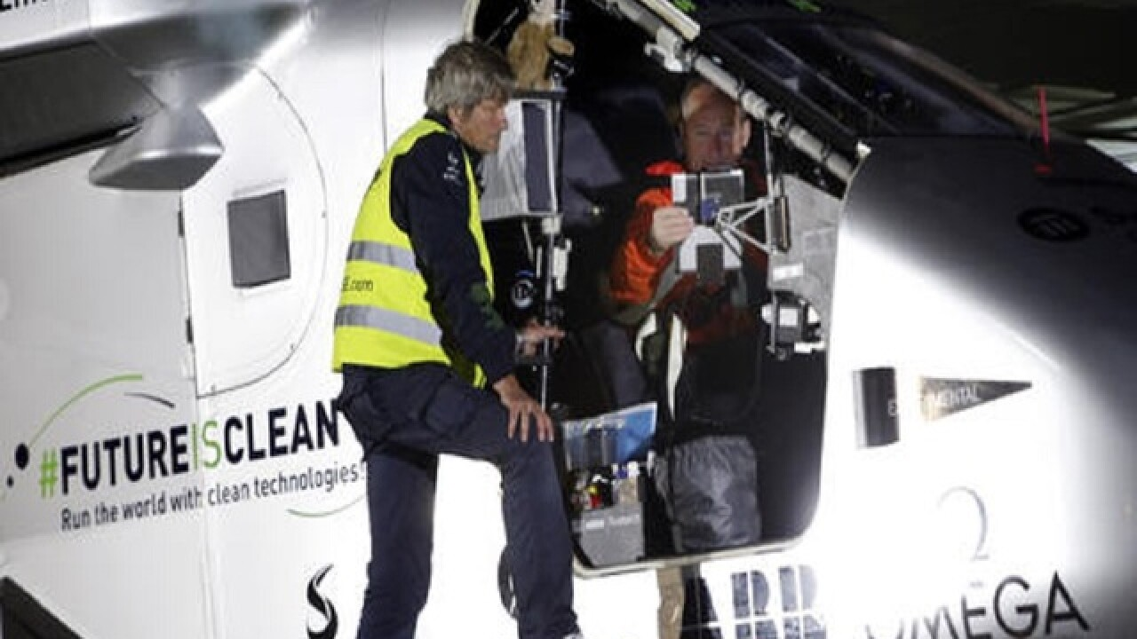 Solar plane on global trip arrives in Arizona