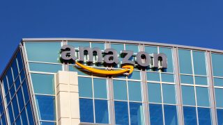 Amazon is raising average starting pay to $18 per hour in bid to attract 125,000 new hires