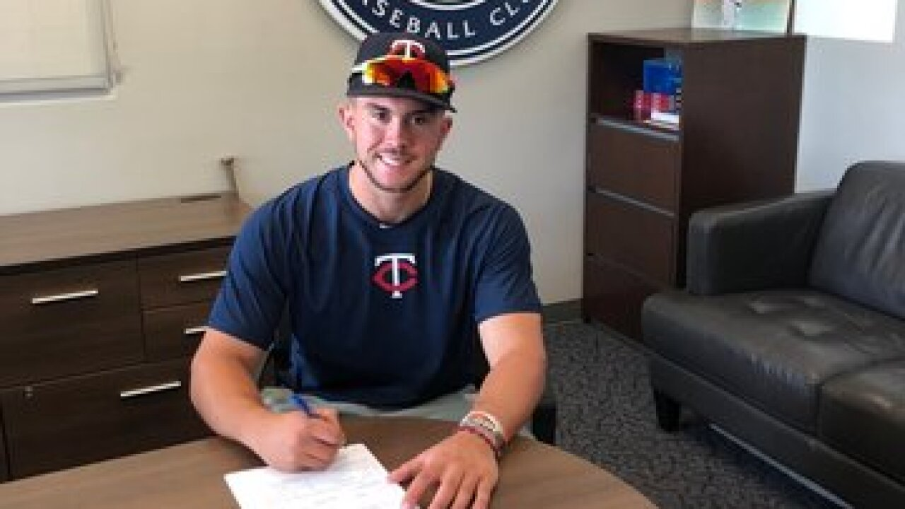 Williamsville East's Charlie Mack signs with the Minnesota Twins